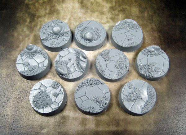 Beveled Bases: Ancient Sands 25mm - Click Image to Close