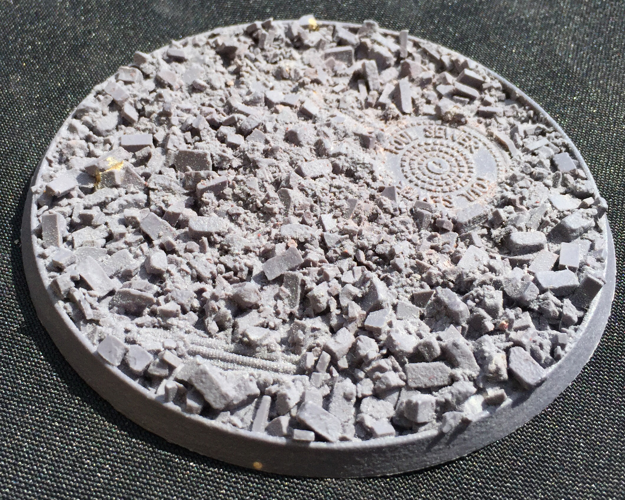 Beveled Edge Bases: Urban Rubble 100mm