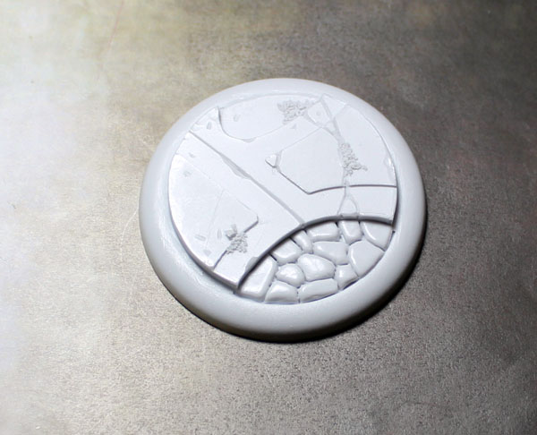 Round Lip Bases: Alien Temple 01 50mm