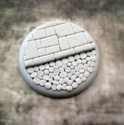 Round Lip Bases: Cobblestone Base 03 50mm